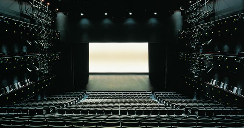 写真:劇場全景