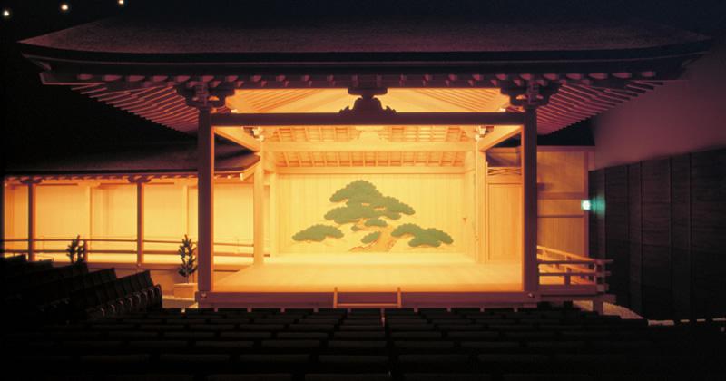 写真:舞台