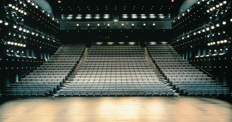 写真:ステージから客席