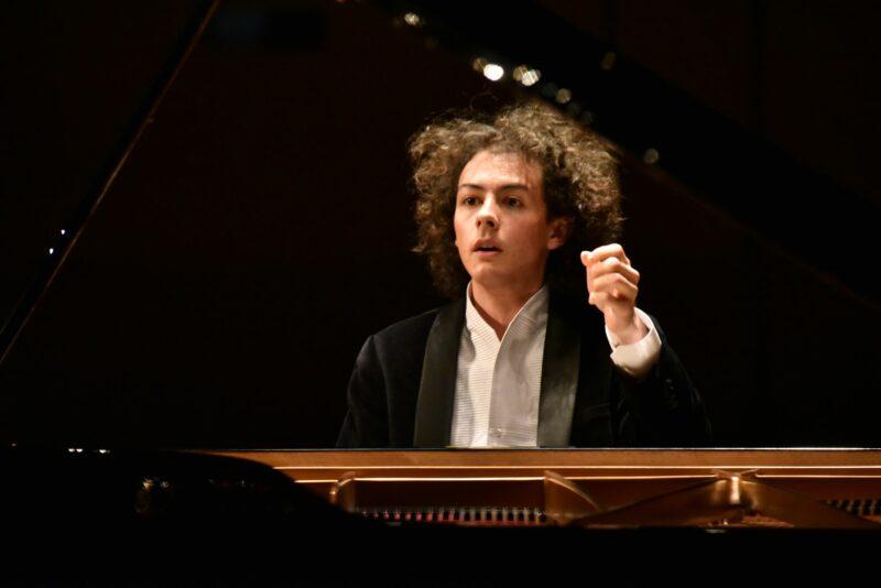 ジャン・チャクムル ピアノリサイタルの画像