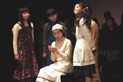 『町から来た少女』(2006年8月)の画像
