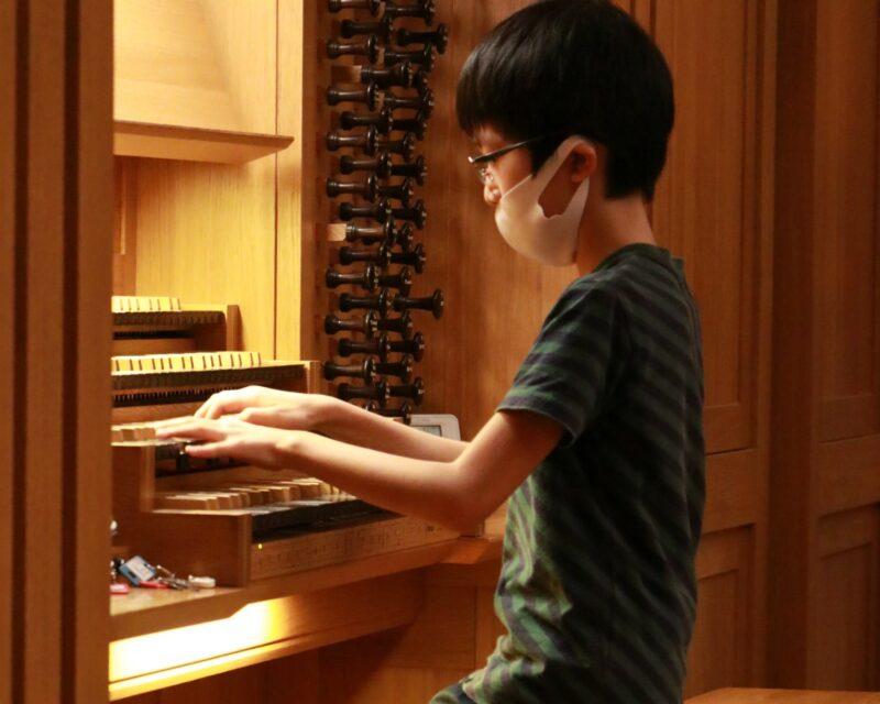パイプオルガンを弾いてみようの画像