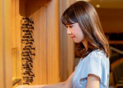 専属オルガニスト石丸由佳が「四畳半スタジオ」に出演!遠藤麻理さんとたっぷりトークしました!